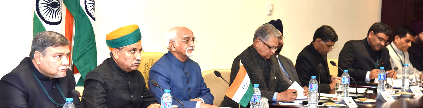 The Vice President, Shri M. Hamid Ansari at the delegation level talks, at the Vice Presidents Office, in Abuja, Nigeria on September 27, 2016. The Minister of State for Finance and Corporate Affairs, Shri Arjun Ram Meghwal is also seen